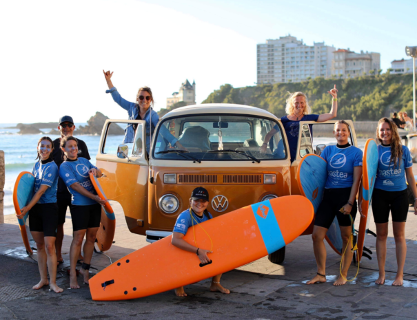 Surf Tour original au Pays basque biarritz en combi VW