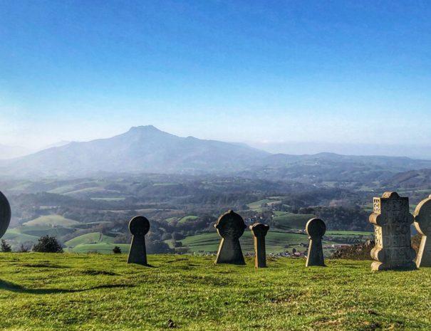 Visite originale insolite pays basque mystique - txiki combi