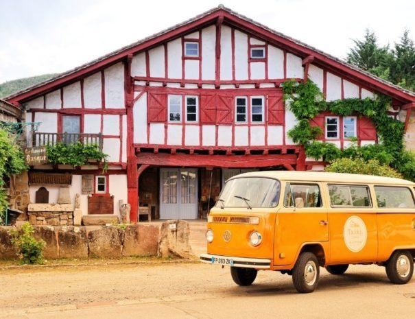 Visite originale des villages du Pays Basque en Combi VW | Txiki Combi Pays Basque