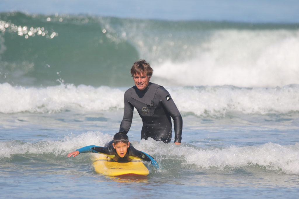 Ecole de Surf Uhaiana à Anglet   Cours de surf pour débutant